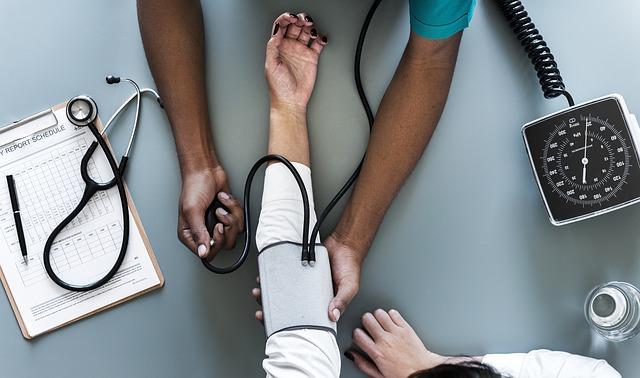 Regularne pomiary ciśnienia krwi