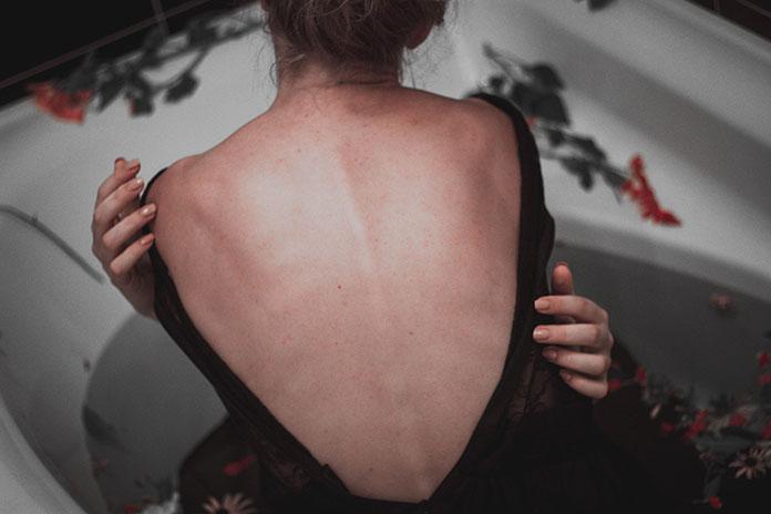 Uciążliwe bóle kręgosłupa – jak sobie z nimi radzić?